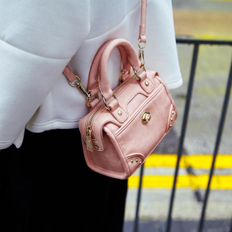 서울역首爾站鉚釘機車包枕頭包迷妳斜挎小包包波士頓手提包