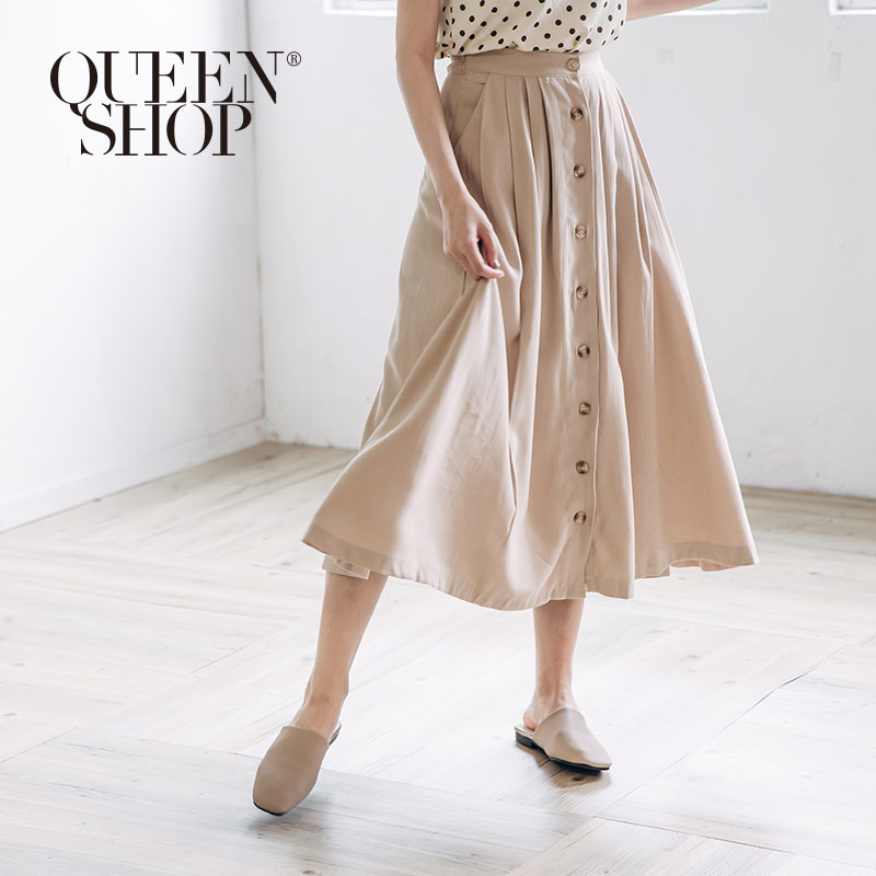Queen Shop【03020546】排釦打折造型長裙*現+預*