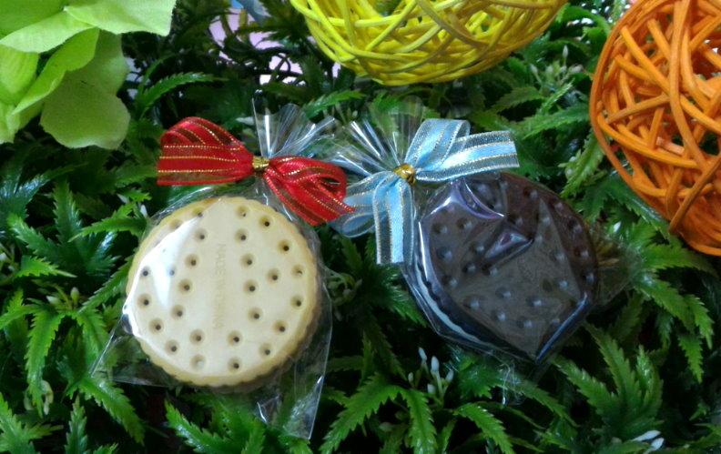 歐美婚禮小物---圓形餅乾LED鑰匙圈/入~~送客禮 開幕禮 探房禮