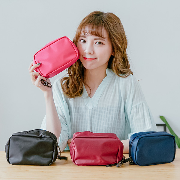 韓國純色小方型防水化妝包化妝包旅行收納袋旅行袋錢包現預SV8570快樂生活網