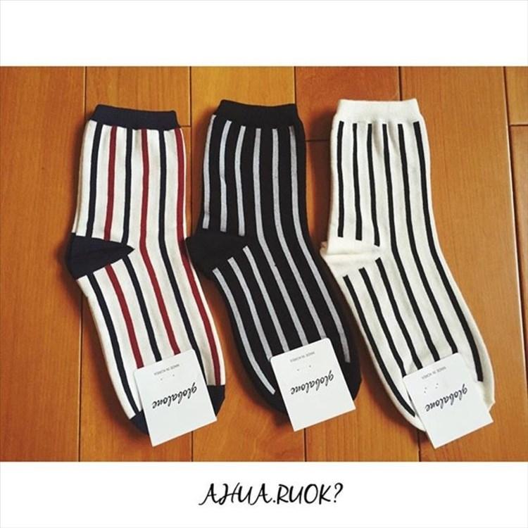 韓國原裝直條紋中筒襪子️️線條長襪短襪素色可愛卡通動物復古文青情侶阿華有事嗎