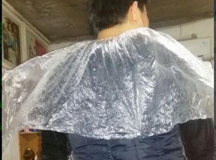 [協貿國際]一次性披肩 染發披肩燙發焗油美發1入