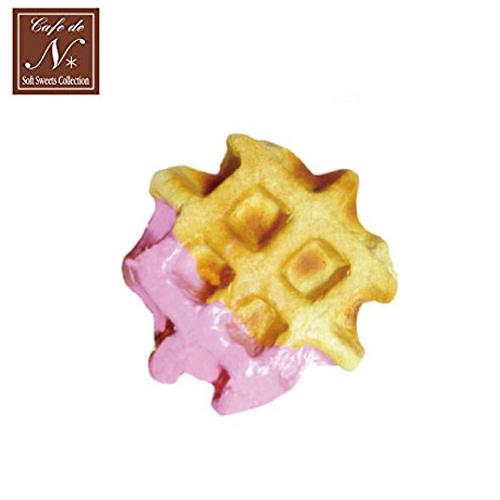 草莓款日本進口格子鬆餅捏捏吊飾吊飾捏捏樂軟軟CAFE DE N SQUISHY 618252