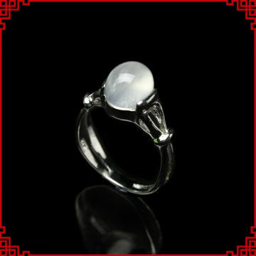白月光石戒指