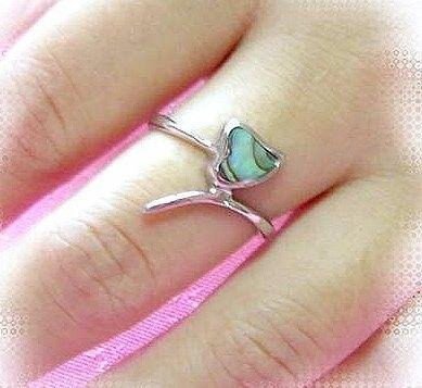 貝殼愛心白鋼戒指、不退色、剩美規3號下殺99元