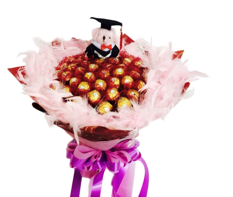 娃娃屋樂園~畢業熊學士熊50顆金莎巧克力.羽毛畢業花束每束1600元畢業禮物婚禮小物