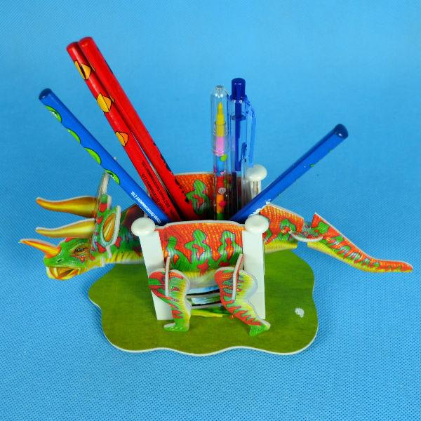 佳廷家庭 親子DIY紙模型3D立體拼圖贈品獎勵品專賣店 昆蟲館動物園 恐龍筆筒1 三角龍 Calebou卡樂保