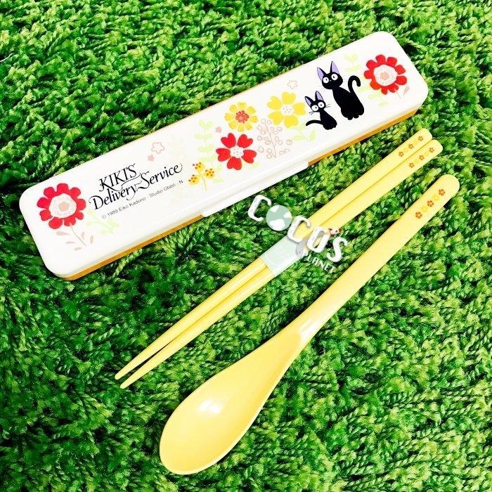 日本正版 宮崎駿 吉卜力 黑貓JIJI 魔女宅急便 kiki貓 奇奇貓 隨身二件式筷子湯匙餐具組 COCOS SN258