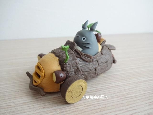 ☆草莓牛奶屋☆日本進口宮崎駿【TOTORO龍貓】可愛樹幹玩具車
