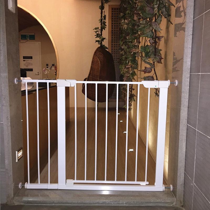 磁鐵門欄 兒童安全門欄 嬰兒圍欄 狗柵欄 門欄樓梯防護欄 圍欄(安裝寬度:75-85公分)