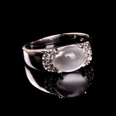水晶月光石戒指白月光精美做工