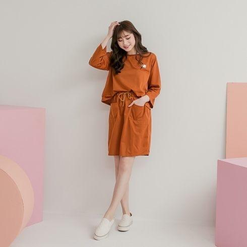 休閒套裝  針織長袖上衣+鬆緊腰口袋裙 (黑 紅 咖啡)三色售 (M8SF) 11762007