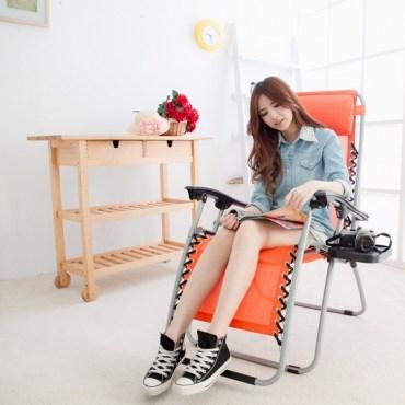 LIFECODE特斯林透氣無限段折疊躺椅-附置物杯架-桔色