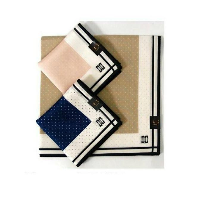 【京之物語】日本製DAKS點點素面邊框絲巾(手帕)-米色/藍色/粉色