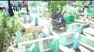 Emergency school built on grave site for Indonesian children