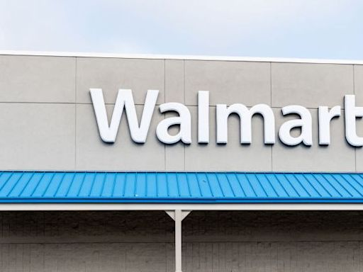 Here Are Walmart's Hours for New Year's Day 2021 and New Year's Eve 2020