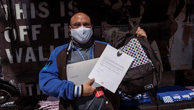 Vans Donates 320 Computers to Los Angeles High School Students