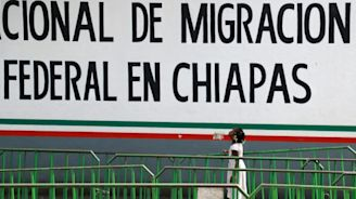Mexico says migrant numbers down but warns of impending crisis