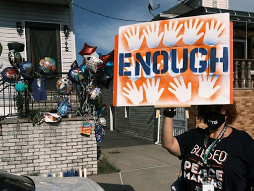 Record-High Gun Violence Sweeps The Country, More than 1000 Kids Killed in 2021