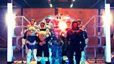 布魯斯威利《終極異噬界》變身戰鬥鋼鐵人 力抗外星活屍攻佔地球
