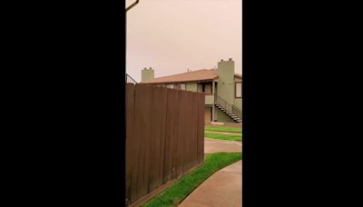 'Guess I'm Staying Inside Today': Wildfire Smoke Fills the Skies Over Tehachapi, California