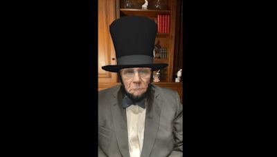 What the Hell Is Up With Rudy Giuliani's Weird Impression of Abe Lincoln? (Video)