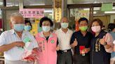 台中國光里發放重陽節敬老金 疫情影響選擇轉帳多3倍