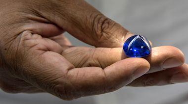斯里蘭卡挖出價值超越 $1 億美元世界最大藍寶石