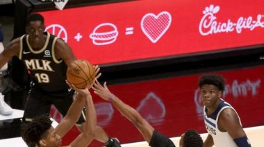 NBA: De'Andre Hunter helps Hawks knock off Wolves