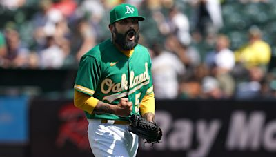 Sergio Romo earning role, utilizing pitches in successful season