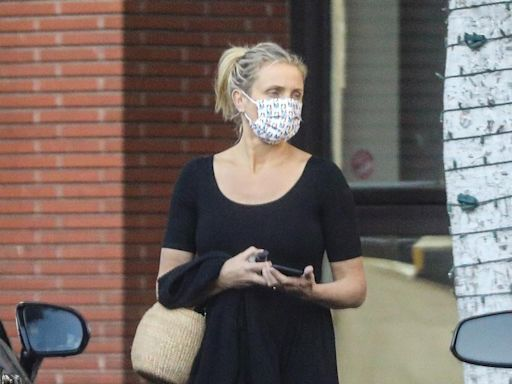 Cameron Diaz's NBA Face Mask Is Making Us Nostalgic for Her Courtside Days
