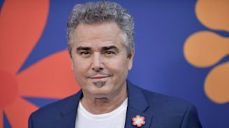 Very 'Brady' Memories: Christopher Knight Reflects on 50 Years of Being Peter Brady