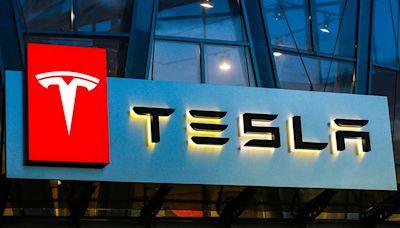 Dow Jones Futures: Tesla Earnings Beat, While Apple Leads 4 Tech Giants Set To Report