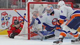 Islanders vs Blackhawks: Sorokin stars in net, Wahlstrom nets pair in Isles win | Islanders Post Game