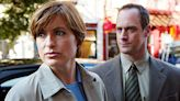 'Law & Order: SVU's Mariska Hargitay & Christopher Meloni Reunite In 1st Photos On-Set Of New Show