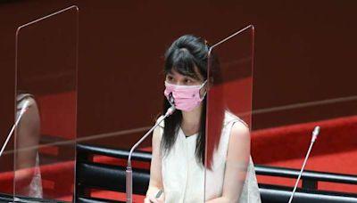 高嘉瑜質詢要打2劑疫苗官員起立 蘇貞昌狂擋:官員是來答詢的,不用站