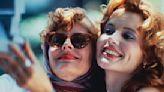'Thelma & Louise' at 30: Susan Sarandon remembers an oiled-up young Brad Pitt, improvising Geena Davis kiss