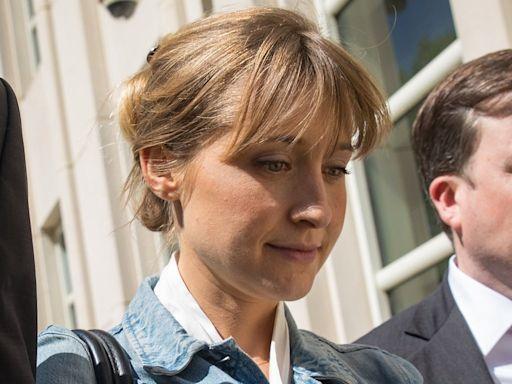Allison Mack begins prison sentence early in NXIVM case