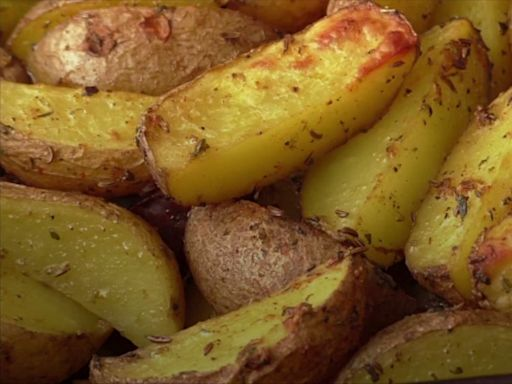Ina Garten's Garlic Roasted Potatoes Are Just As Good As You'd Think They'd Be