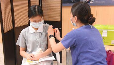 慈科大學生接種BNT疫苗 貼心舉動獲好評