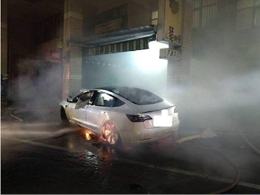 燃油、電動車防火燒車 南消:最好是避免撞擊事故