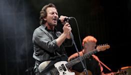 See Eddie Vedder Cover R.E.M., Pretenders at Ohana Festival