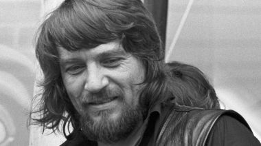 Flashback: Waylon Jennings and Willie Nelson Make Music History