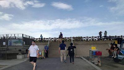 芳苑紅樹林海空步道有罩門 昨天人潮暴量今銳減