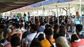 菲律賓鬆綁首都封城令 新增確診逾1.7萬創新高