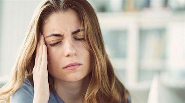 偏頭痛、緊張性頭痛怎麼救?避免光線刺激、鬆開僵硬肌肉可改善 | 蕃新聞