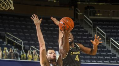 No. 25 Michigan outlasts Oakland 81-71 in overtime