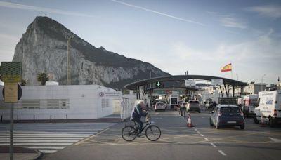 España asegura a Reino Unido que pedirá que Frontex controle las fronteras de Gibraltar