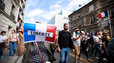 憂自由受損更甚於疫情? 法國擴大健康碼範圍惹強烈反彈