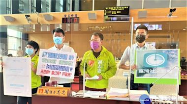 批市府防疫不到位 議員謝志忠建議改用台灣社交距離APP | 蕃新聞